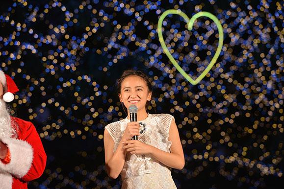 岡田結実 11月26日「クリスマスイルミネーションの点灯式」に出席!